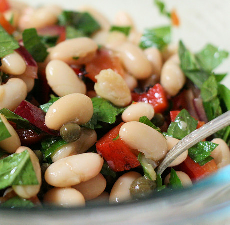 White Bean Salad with Mint and Red Onion -
