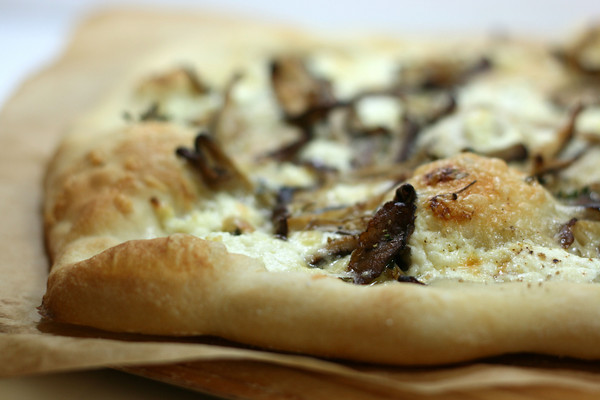 Shiitake Mushroom Pizza Recipe — Dishmaps
