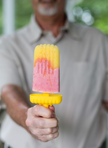 Strawberry Pineapple Frozen Yogurt Popsicles