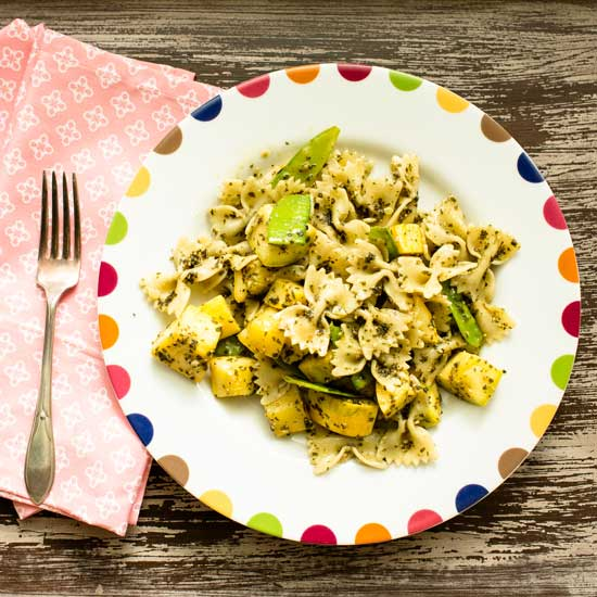Veggie Pasta Salad with Basil Pesto | Sidewalk Shoes