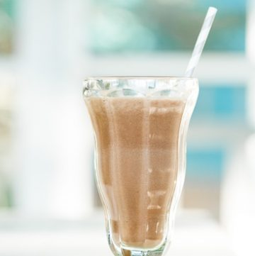 Chocolate Coconut Water Smoothie