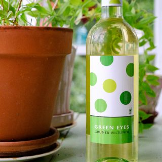 Love Over Money Green Eyes Grüner Veltliner 2016
