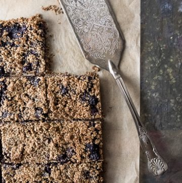 Oat Bran Blueberry Crumble